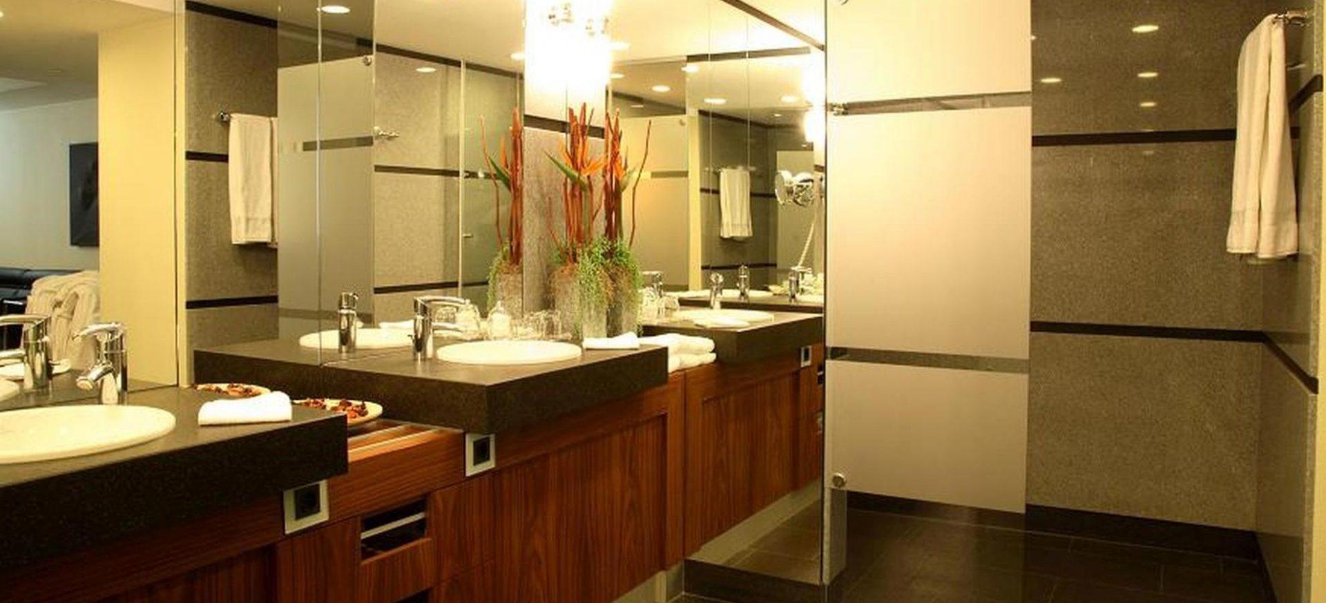 Radisson Blu Hotel Erfurt Executive Suite Badezimmer / Bathroom