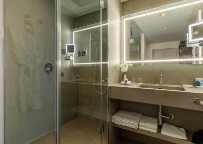 Radisson Blu Hotel Erfurt Premiumkategorie Bad Querformat