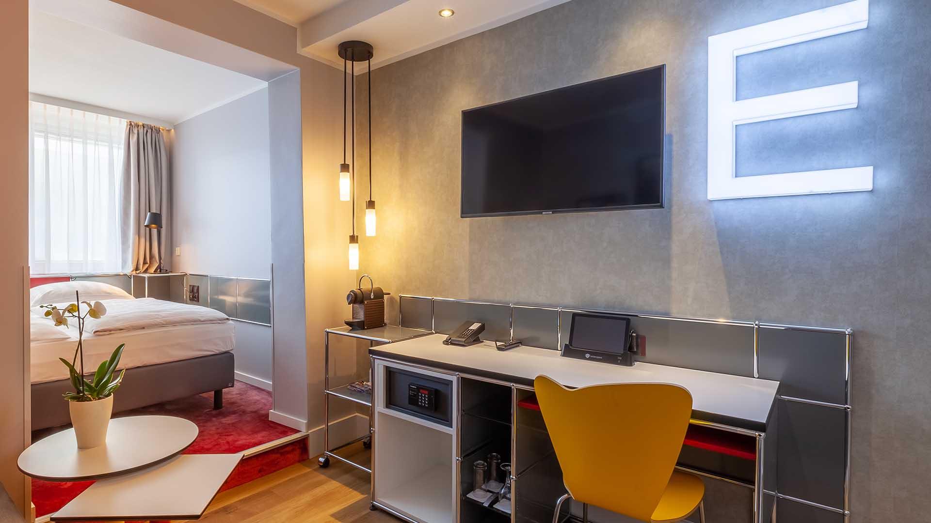 Radisson Blu Hotel Erfurt Premiumkategorie Wohn und Schlafbereich 1